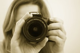 taking picture with digital camera